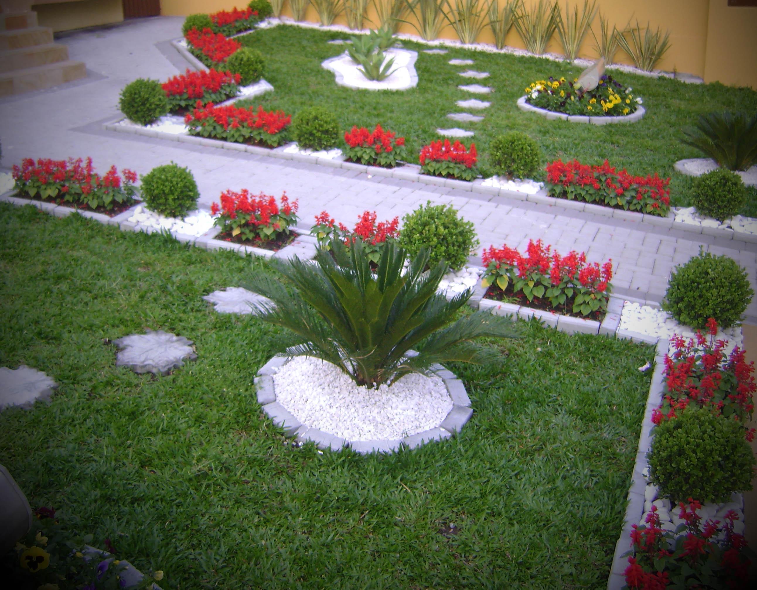 Imagens de Jardins Decorados -> Decoração De Jardins Com Pedras E Flores