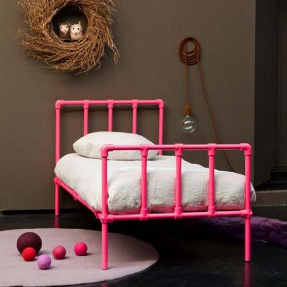 Móveis feitos cabos PVC cama