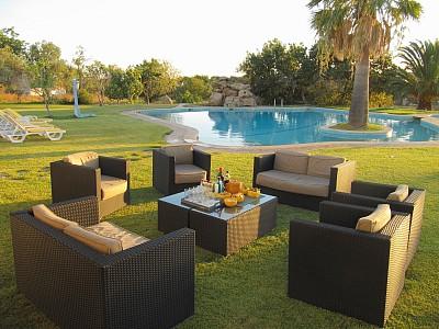 Sofas para jardins decoracao e comodidade