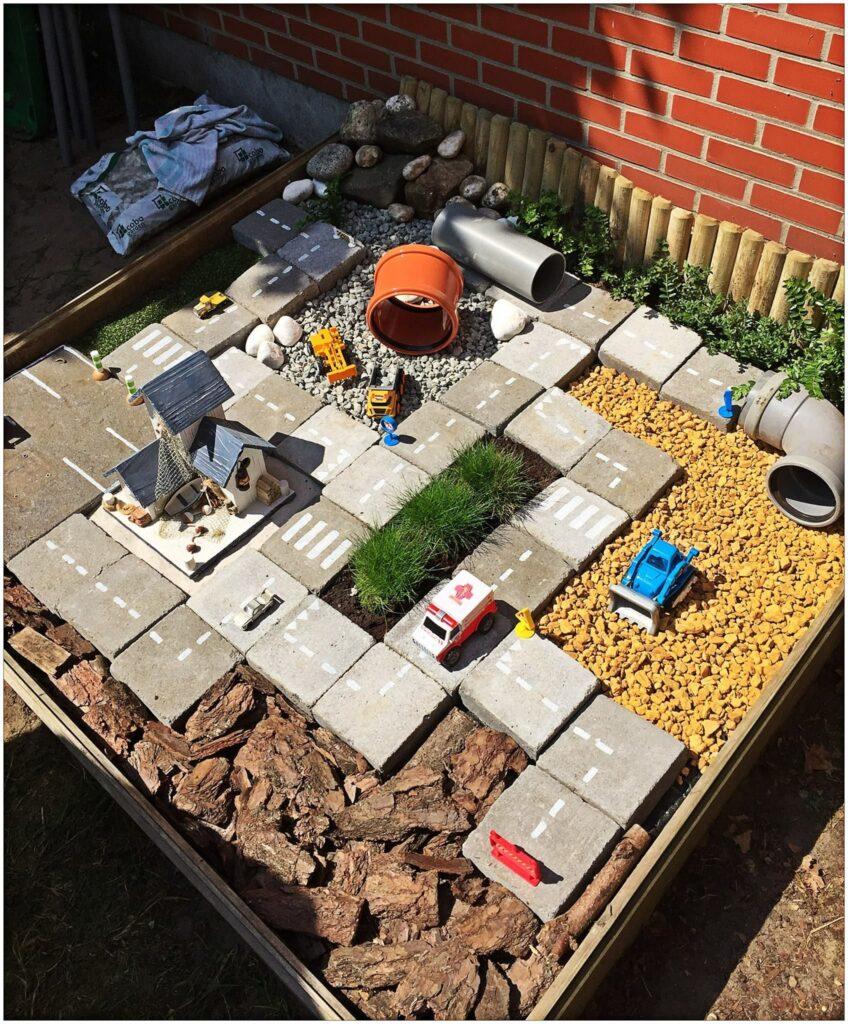 area de brincadeira para as criancas com material reciclado 1