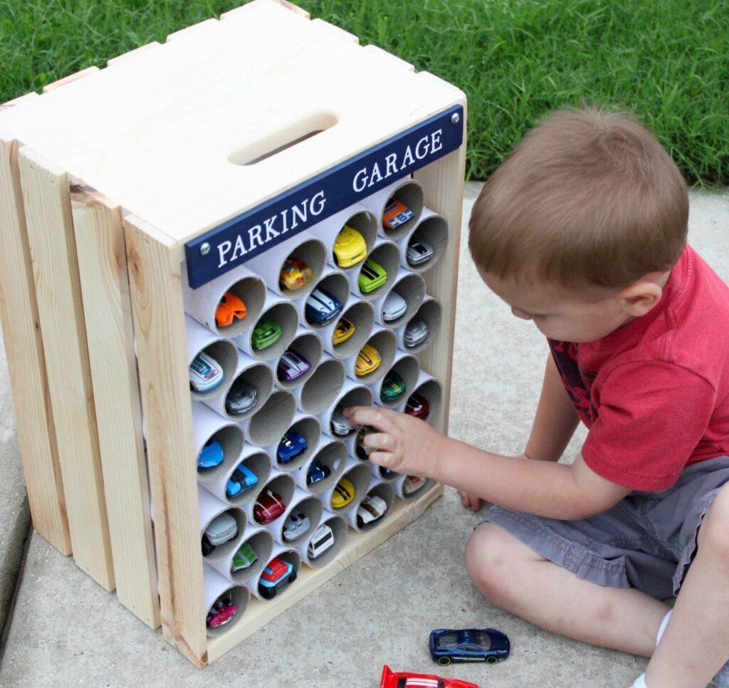 area de brincadeira para as criancas com material reciclado 2