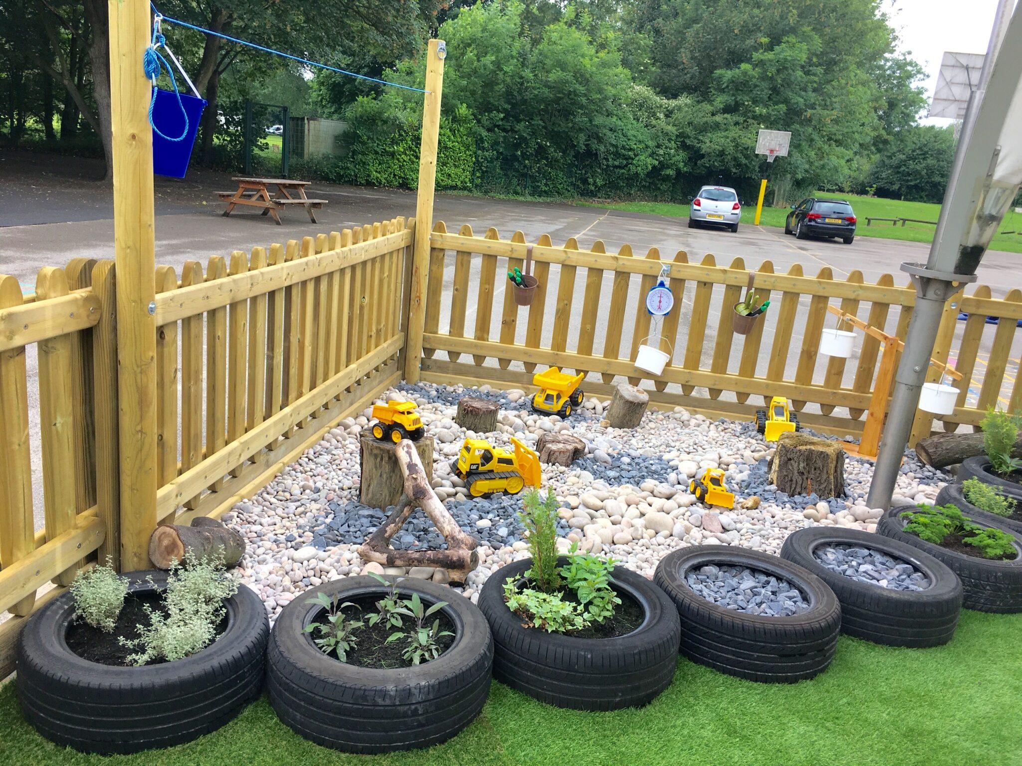 area de brincadeira para as criancas com material reciclado 8
