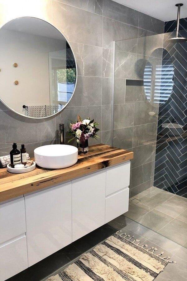 banheiro cinza preto