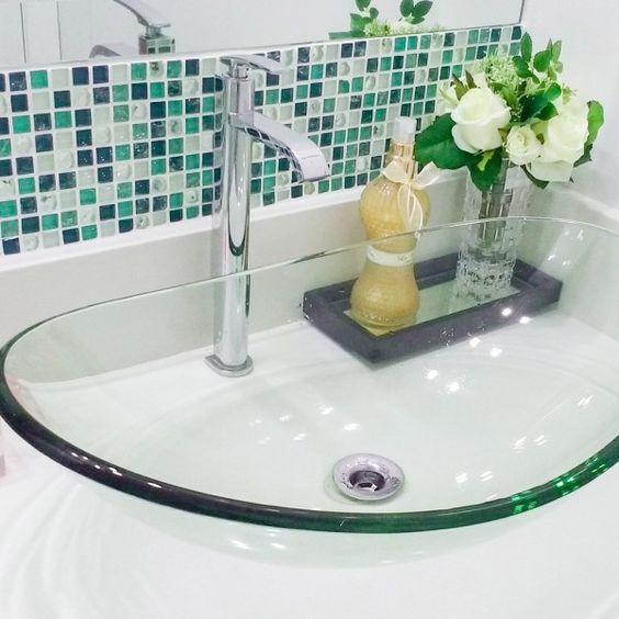 banheiro cuba colorida vidro