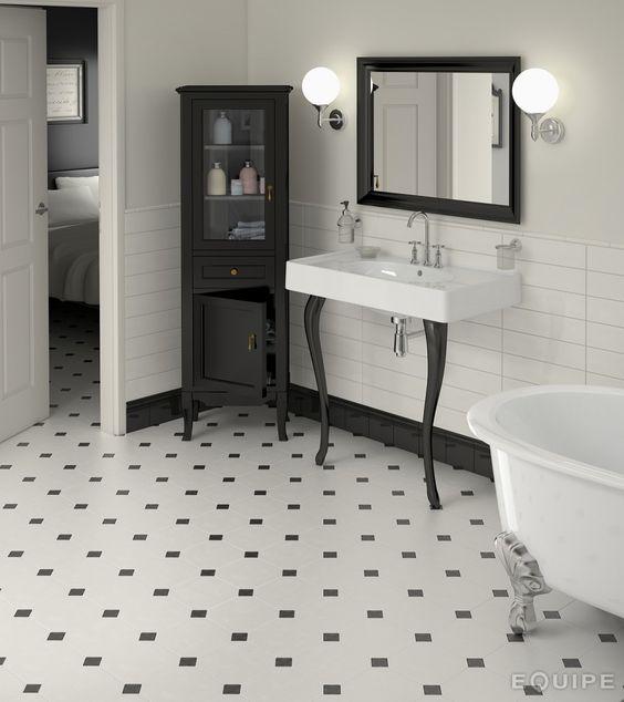 banheiro preto branco retro