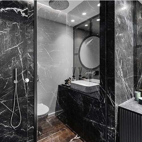banheiro preto marmore