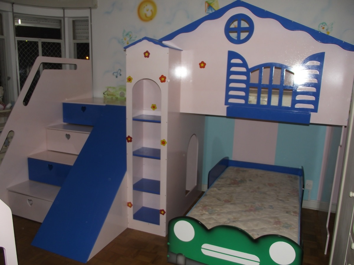 cama infantil com escorrega