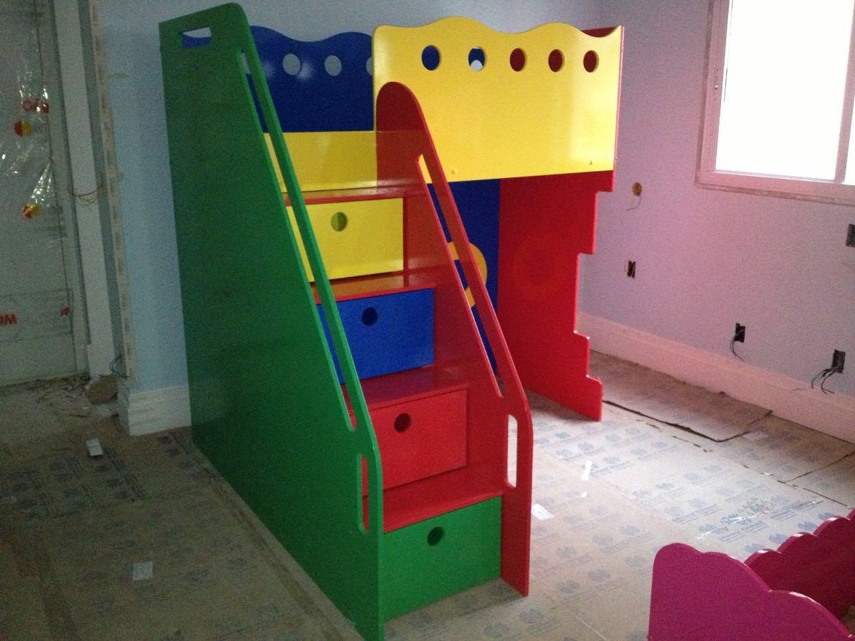 cama planejada infantil com escada gavetas