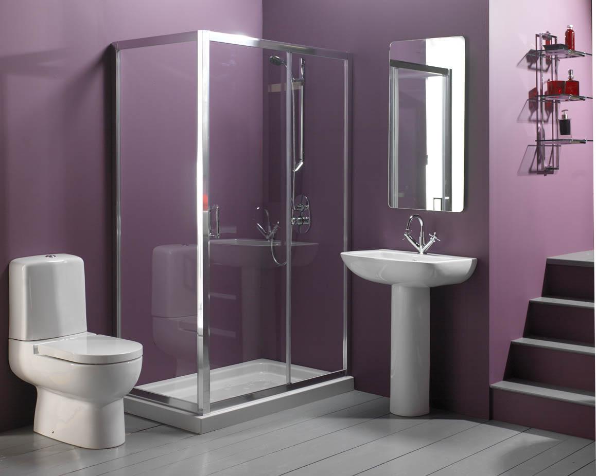 casa de banho pequena em roxo