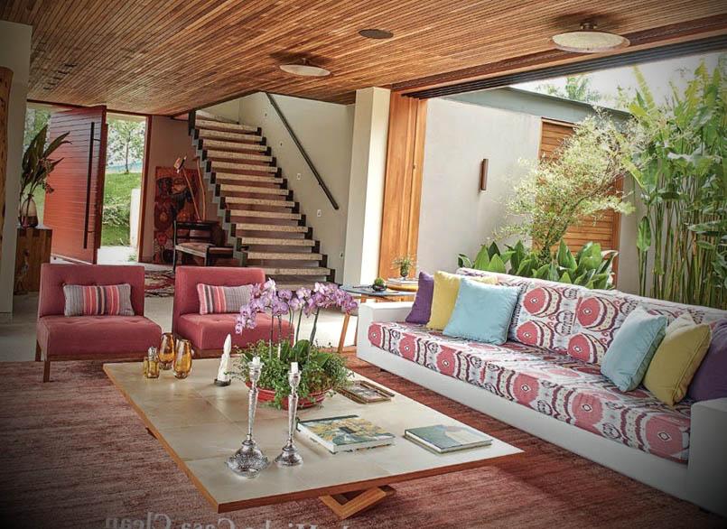 casa de campo com varanda integrada natureza