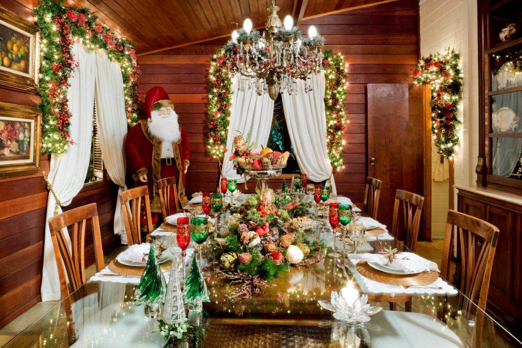 ceia-de-natal-mesa-26-decoracao-de-natal-residencia-de-350-m-vira-casa-do-papai-noel