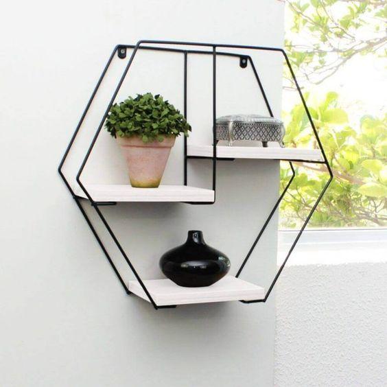 como usar aramado na decoracao estante
