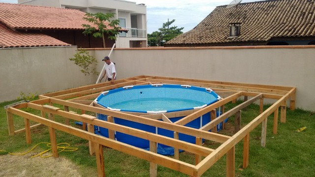 construir um deck de piscina 1