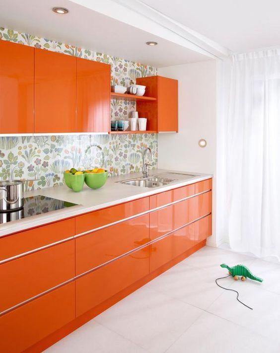 cozinha decorada com cores
