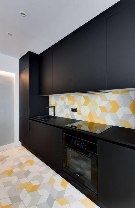 cozinha preta colorida