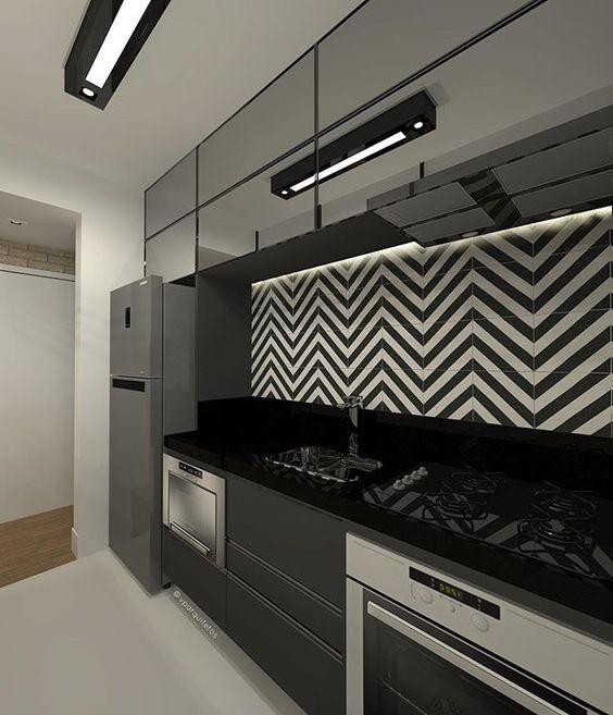 cozinha preta espelho