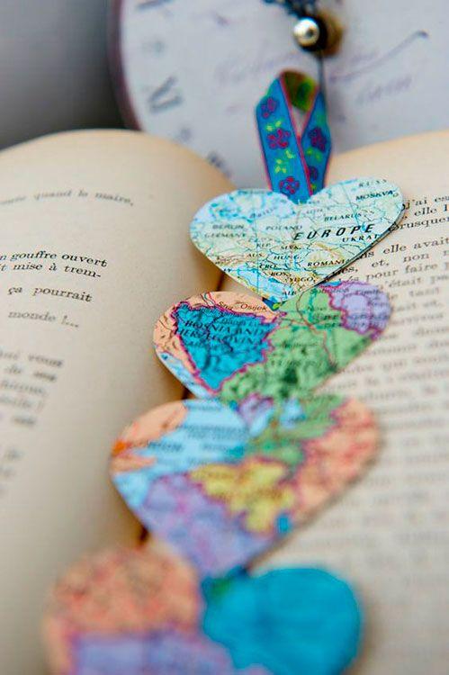 decoracao com mapas marca livros