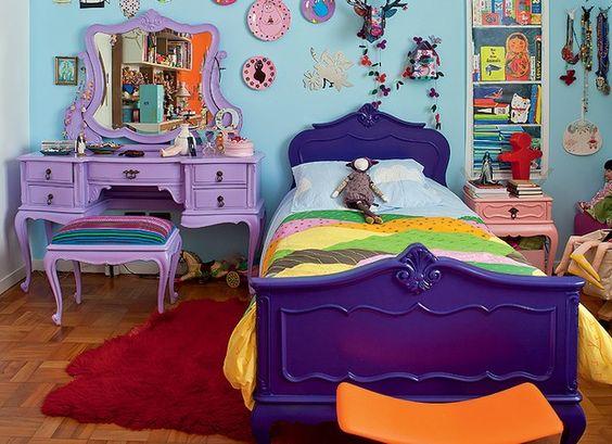decoracao com moveis retro coloridos quarto