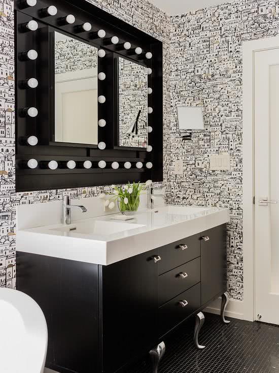 decoracao com papel de parede banheiro 4