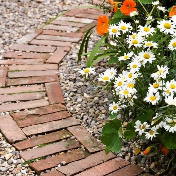 decoracao de jardins com tijolos 12
