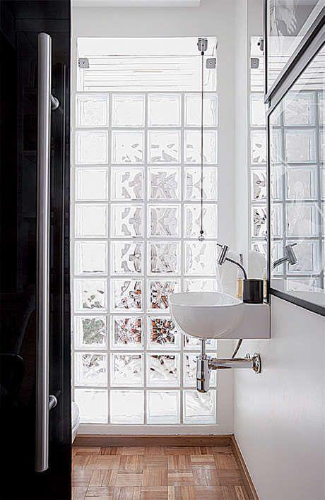 decoracao tijolos vidro banheiro