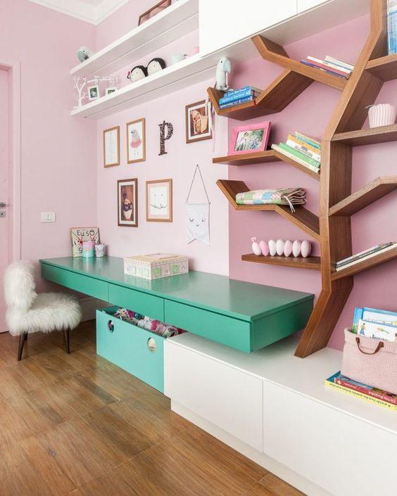 escrivaninha suspensa quarto colorida