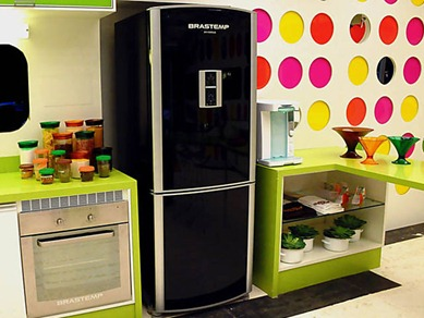 geladeira preta