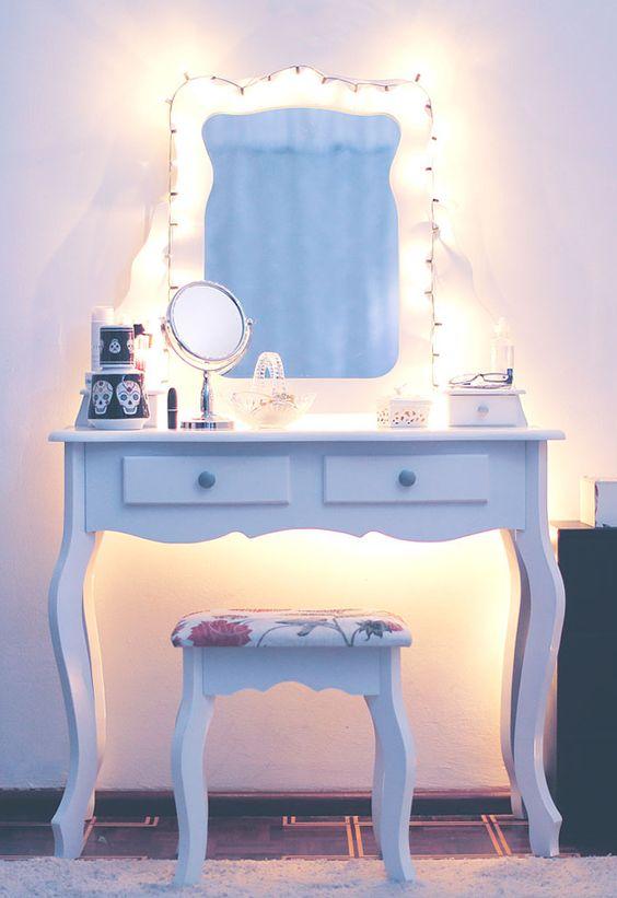 mesa maquiagem simples 2