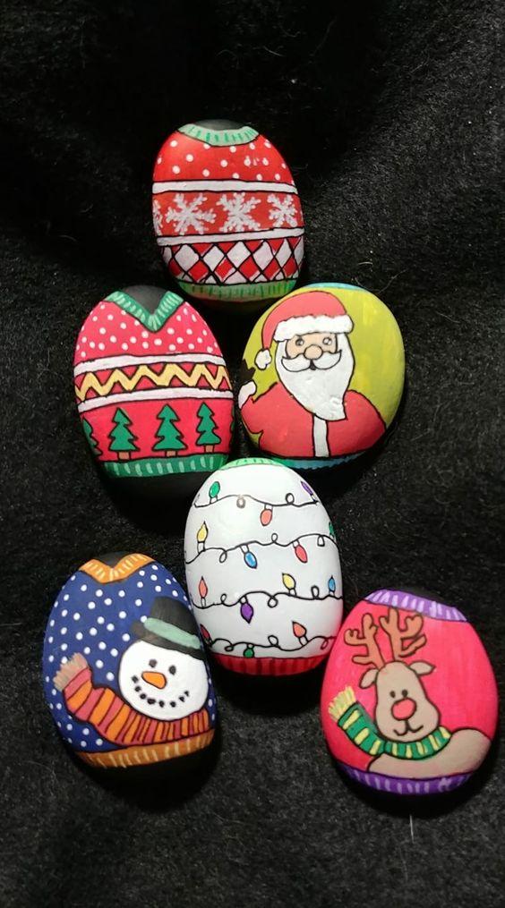 pedras decoradas pintadas natal ideias