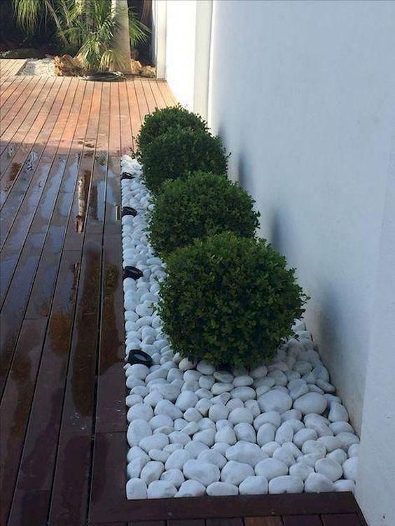 pedras decorativas jardim brancas