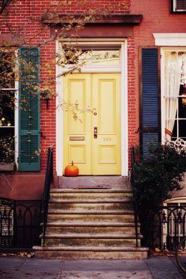 porta fachada colorida amarela