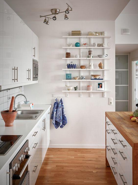 prateleiras para cozinha simples