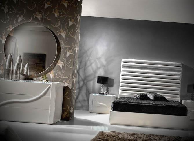 quarto com espelho moderno