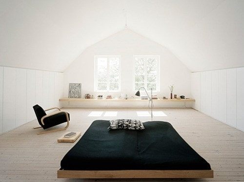 quarto minimalista em branco