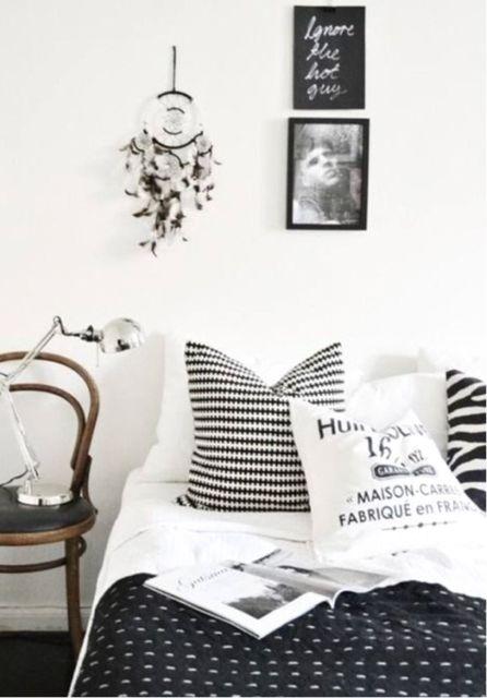 quarto tumblr preto branco simples