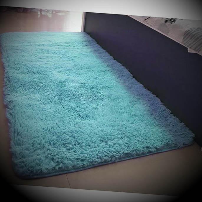 tapete pelucia azul