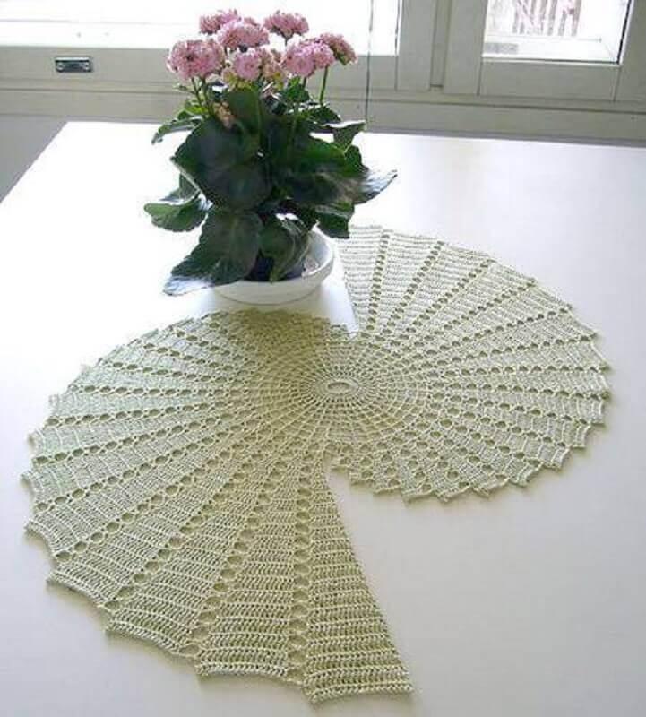 toalha de mesa de croche bico 3