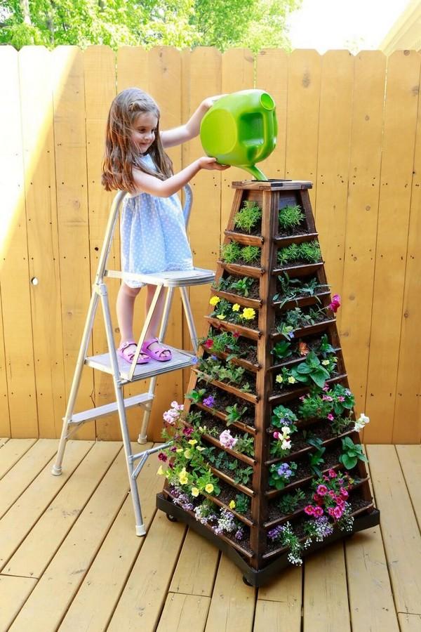 torres de vasos com flores 4