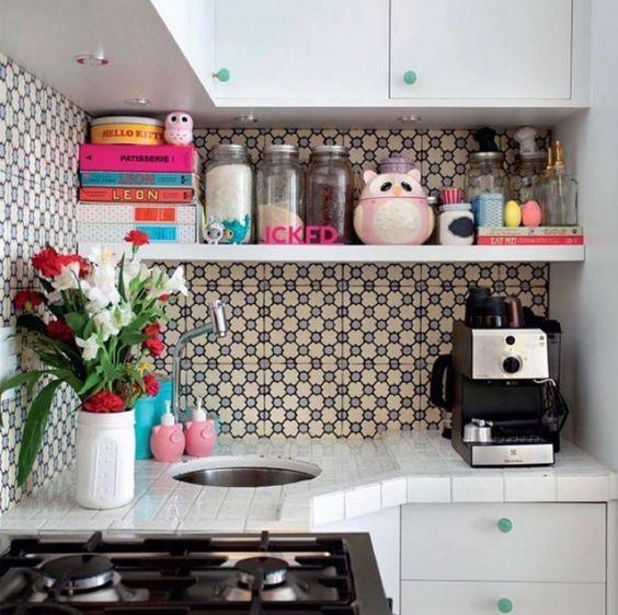 truques cozinhas pequenas prateleiras